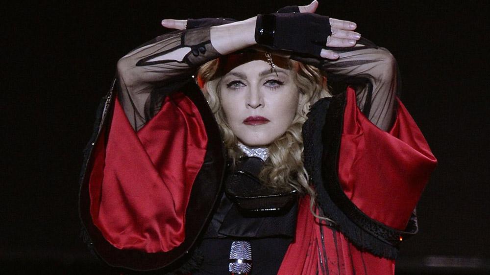 Madonna lamenta devastada la muerte de tres amigos por el coronavirus