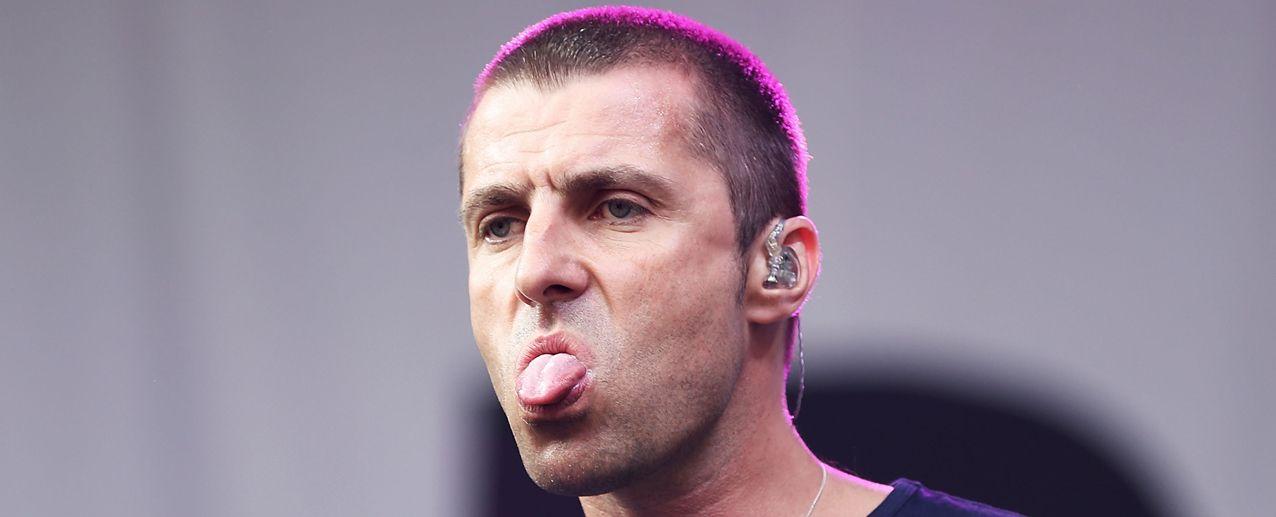 A Liam Gallagher no le dejan comprar cigarros y descarga su ira en Twitter