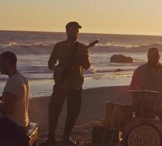 Coldplay estrena videoclip de