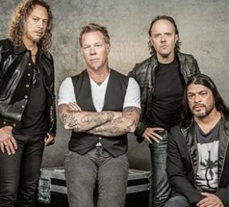 Metallica dona $750 mil dólares a bomberos para combatir los incendios en Australia